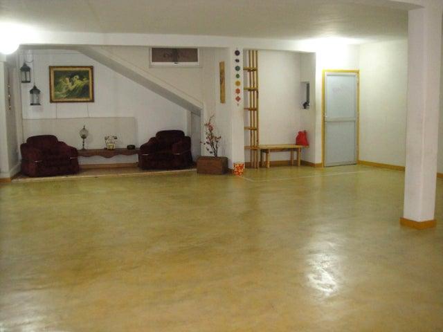 Local Comercial Lara>Barquisimeto>Parroquia Catedral - Alquiler:326.000.000 Precio Referencial - codigo: 18-5102