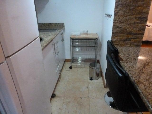 Apartamento Distrito Metropolitano>Caracas>Lomas de Las Mercedes - Alquiler:250 Precio Referencial - codigo: 18-5105