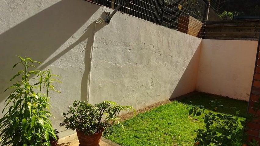 Apartamento Distrito Metropolitano>Caracas>Santa Marta - Venta:180.000 Precio Referencial - codigo: 18-5114