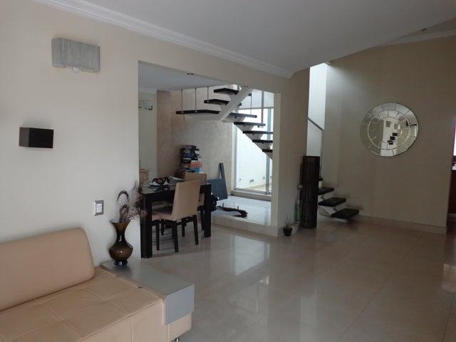 Casa Lara>Cabudare>Tierra del Sol - Alquiler:122.000.000 Precio Referencial - codigo: 18-5146