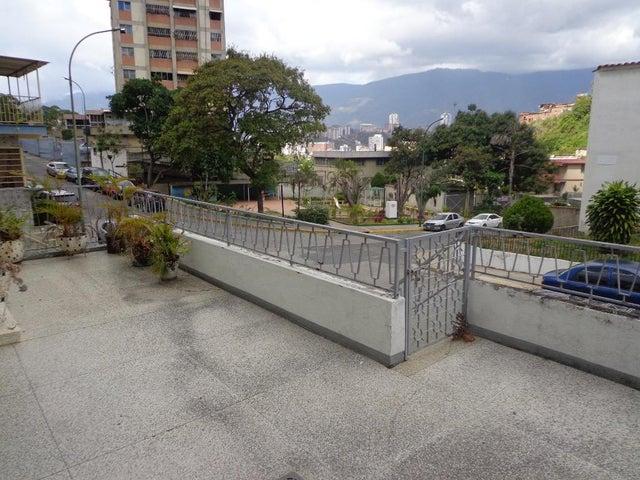 Casa Distrito Metropolitano>Caracas>Parroquia Santa Rosalia - Venta:170.132.000.000 Precio Referencial - codigo: 18-4322