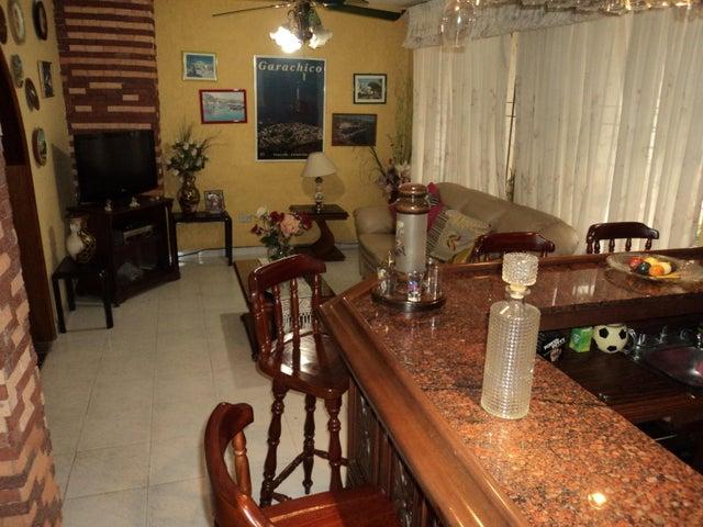 Casa Distrito Metropolitano>Caracas>Los Chorros - Venta:122.145.000.000 Precio Referencial - codigo: 18-5152