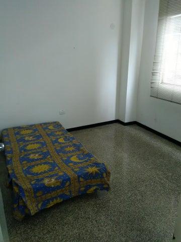Apartamento Distrito Metropolitano>Caracas>Los Palos Grandes - Venta:70.000 Precio Referencial - codigo: 18-5292