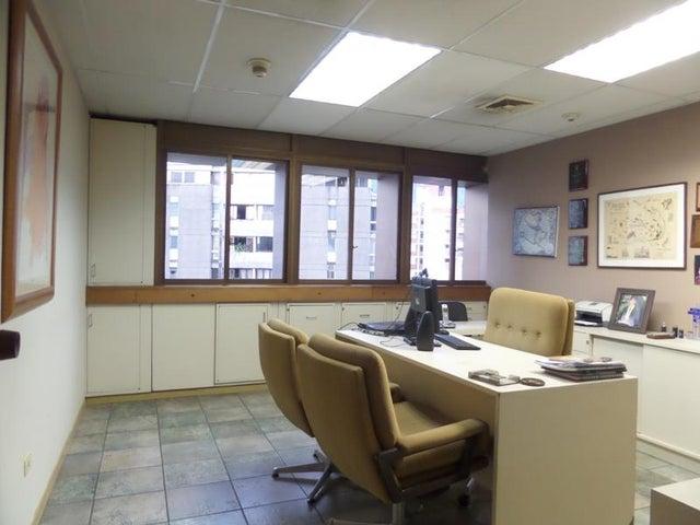Oficina Distrito Metropolitano>Caracas>Los Palos Grandes - Venta:170.000 Precio Referencial - codigo: 18-6423