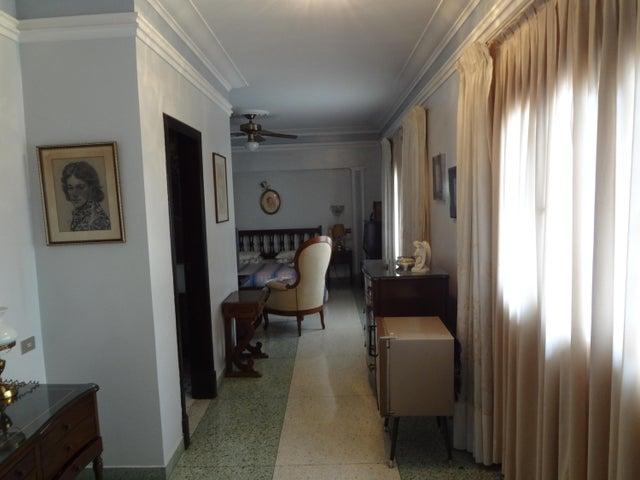 Casa Distrito Metropolitano>Caracas>Las Mercedes - Venta:550.000 Precio Referencial - codigo: 18-5382