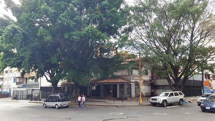 Casa Distrito Metropolitano>Caracas>San Bernardino - Venta:300.000 Precio Referencial - codigo: 18-6376