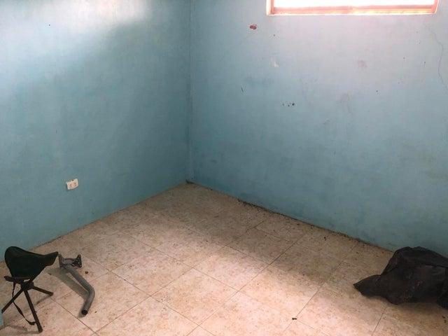 Casa Miranda>Santa Teresa>Las Carolinas - Venta:1.881.000.000 Precio Referencial - codigo: 18-6403