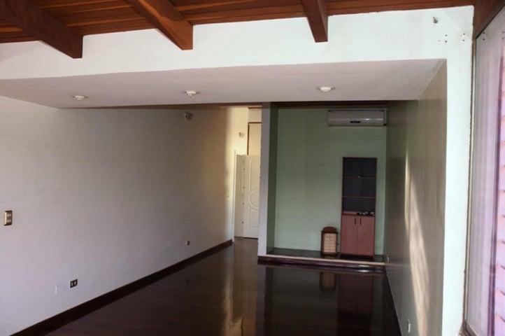 Casa Distrito Metropolitano>Caracas>Caurimare - Venta:236.334.000 Precio Referencial - codigo: 18-6094