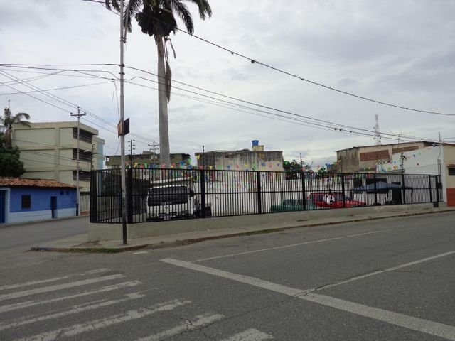 Terreno Lara>Barquisimeto>Parroquia Concepcion - Venta:30.462.000.000 Precio Referencial - codigo: 16-6934