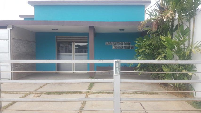 Casa Zulia>Cabimas>Delicias Vieja - Venta:40.000 Precio Referencial - codigo: 18-6016