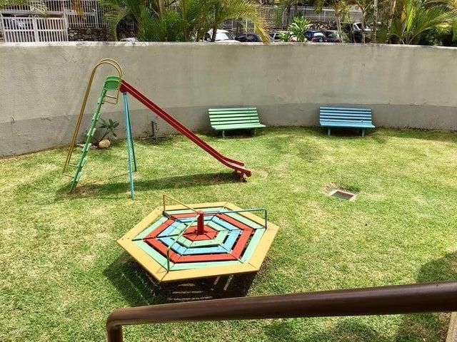 Apartamento Distrito Metropolitano>Caracas>Colinas de La California - Venta:85.000 Precio Referencial - codigo: 18-6584