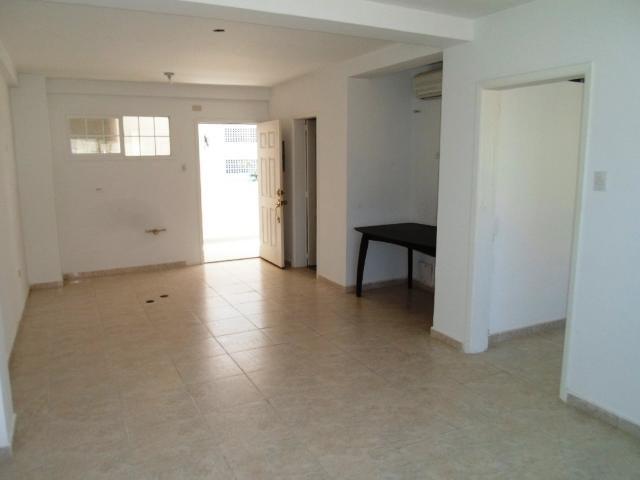 Apartamento Nueva Esparta>Margarita>Costa Azul - Venta:25.000 Precio Referencial - codigo: 18-6054