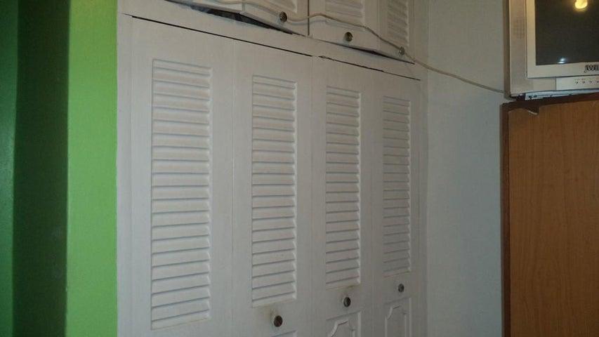 Apartamento Miranda>Los Teques>Simon Bolivar - Venta:8.400 Precio Referencial - codigo: 18-6140