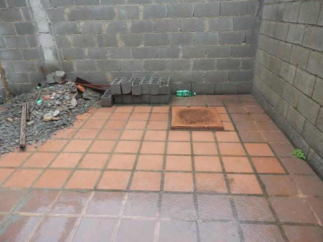 Casa Lara>Barquisimeto>Parroquia El Cuji - Venta:5.350 Precio Referencial - codigo: 18-6212