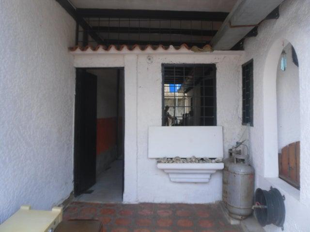 Casa Miranda>Cua>Santa Rosa - Venta:8.000 Precio Referencial - codigo: 18-6251