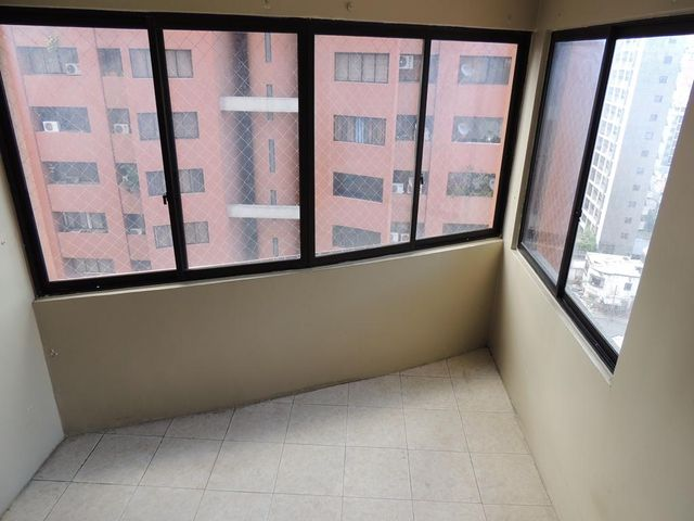 Apartamento Distrito Metropolitano>Caracas>La Florida - Venta:26.000 Precio Referencial - codigo: 18-6387