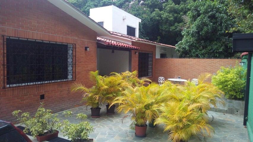 Casa Distrito Metropolitano>Caracas>La Floresta - Venta:370.000 Precio Referencial - codigo: 18-6253