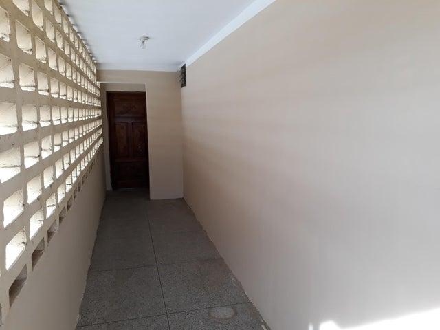 Apartamento Zulia>Maracaibo>Las Lomas - Alquiler:3.000 Precio Referencial - codigo: 18-6364