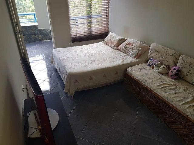 Apartamento Vargas>Parroquia Caraballeda>Caribe - Venta:50.000 Precio Referencial - codigo: 18-6281