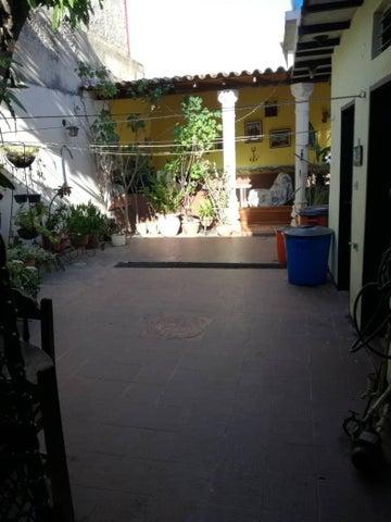 Casa Lara>Barquisimeto>Parroquia Concepcion - Venta:446.653.000.000 Precio Referencial - codigo: 18-6385