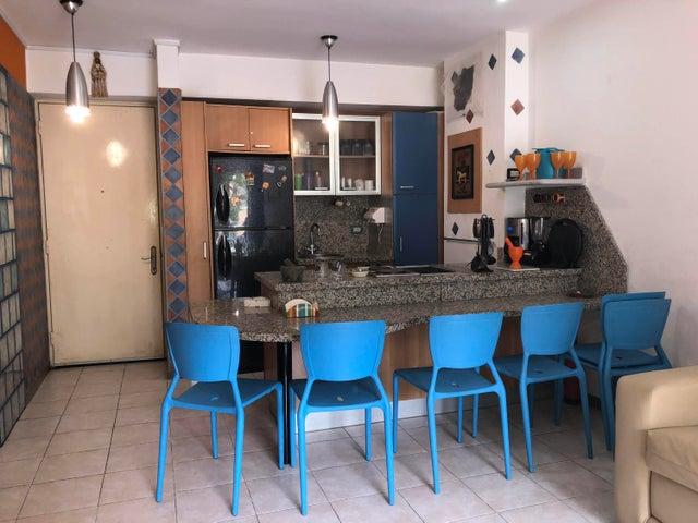 Apartamento Vargas>Parroquia Caraballeda>Caribe - Venta:74.424.000.000 Precio Referencial - codigo: 18-6337