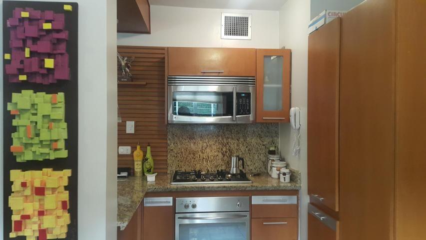 Apartamento Zulia>Maracaibo>Avenida El Milagro - Venta:186.061.000.000 Precio Referencial - codigo: 18-6319