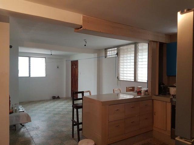 Apartamento Distrito Metropolitano>Caracas>El Valle - Venta:45.248.000.000 Precio Referencial - codigo: 18-6327