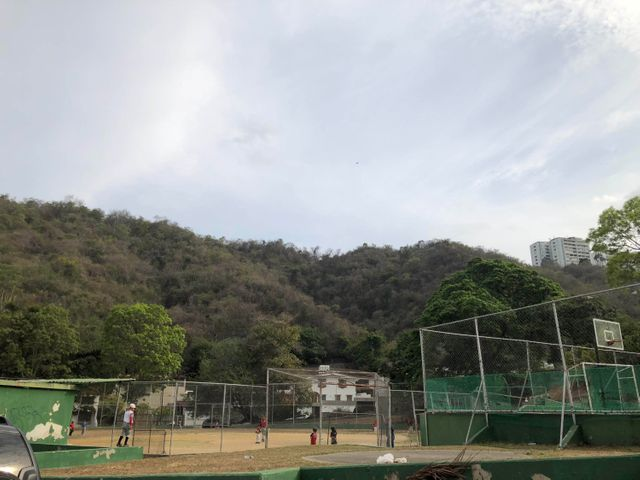 Casa Distrito Metropolitano>Caracas>Santa Sofia - Venta:744.243.000.000 Precio Referencial - codigo: 18-6335