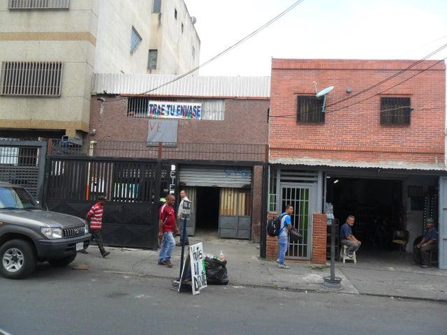 Local Comercial Distrito Metropolitano>Caracas>Catia - Venta:9.205.000 Precio Referencial - codigo: 18-6397