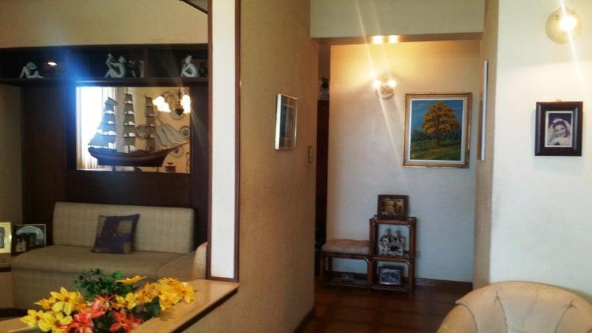 Apartamento Zulia>Maracaibo>Avenida Delicias Norte - Venta:3.082.000 Precio Referencial - codigo: 18-6342