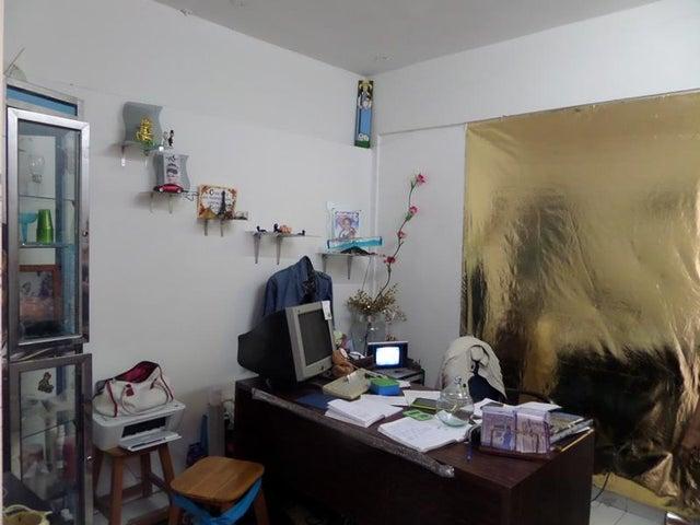 Local Comercial Aragua>Maracay>Urbanizacion El Centro - Venta:30.777.000.000 Precio Referencial - codigo: 18-6355
