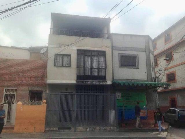 Casa Distrito Metropolitano>Caracas>Catia - Venta:33.856.000.000 Precio Referencial - codigo: 18-6405