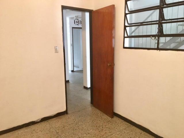 Casa Distrito Metropolitano>Caracas>Catia - Venta:19.419.000 Precio Referencial - codigo: 18-6405