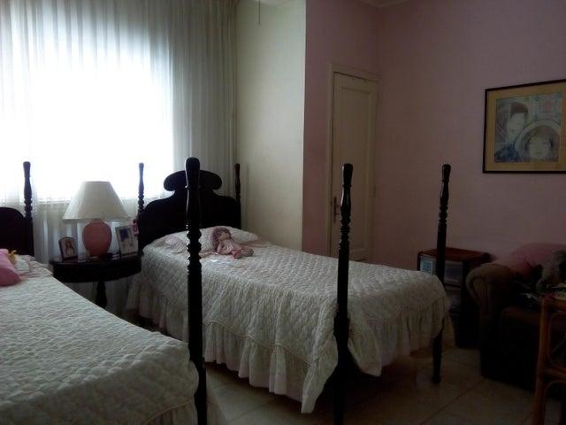 Apartamento Distrito Metropolitano>Caracas>Bello Monte - Venta:61.554.000.000 Precio Referencial - codigo: 18-6367