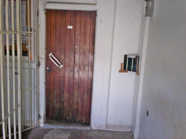 Casa Aragua>La Victoria>La Mora I - Venta:8.354.000.000 Precio Referencial - codigo: 18-6363