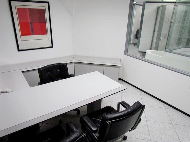 Oficina Distrito Metropolitano>Caracas>Chuao - Alquiler:1.935.000.000 Precio Referencial - codigo: 18-6375
