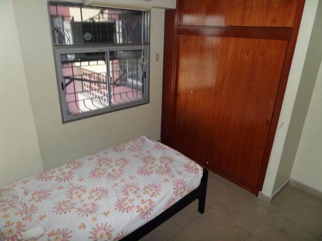 Apartamento Aragua>Maracay>Base Aragua - Venta:34.295.000.000 Precio Referencial - codigo: 18-6381