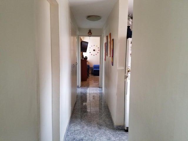 Apartamento Zulia>Maracaibo>Veritas - Venta:1.429.000 Precio Referencial - codigo: 18-6384