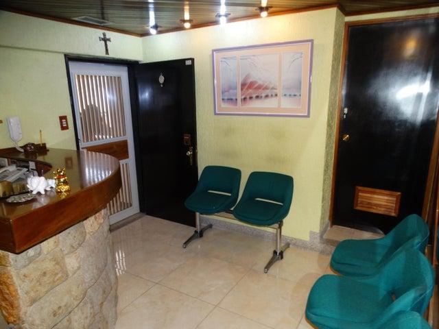 Consultorio Medico  Distrito Metropolitano>Caracas>Las Acacias - Venta:2.763.000 Precio Referencial - codigo: 18-6406