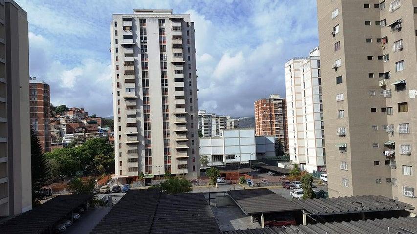 Apartamento Distrito Metropolitano>Caracas>El Marques - Venta:5.858.000 Precio Referencial - codigo: 18-6410