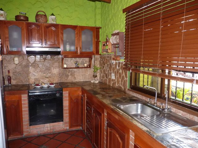 Casa Aragua>Turmero>Villas del Este - Venta:186.105.000.000 Precio Referencial - codigo: 18-6407