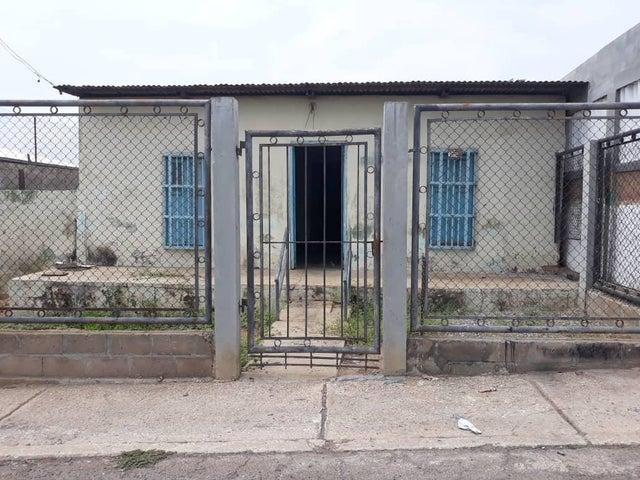 Casa Zulia>Maracaibo>Los Haticos - Venta:8.793.000.000 Precio Referencial - codigo: 18-6437