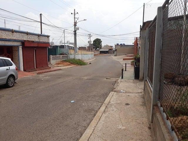 Galpon - Deposito Zulia>Maracaibo>Los Haticos - Venta:10.000 Precio Referencial - codigo: 18-6439