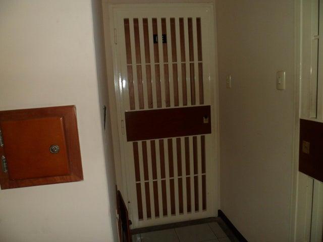 Apartamento Carabobo>Valencia>El Bosque - Venta:14.265.000 Precio Referencial - codigo: 18-6438