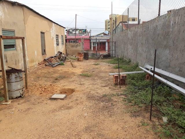 Casa Zulia>Maracaibo>Los Haticos - Venta:10.000 US Dollar - codigo: 18-6437
