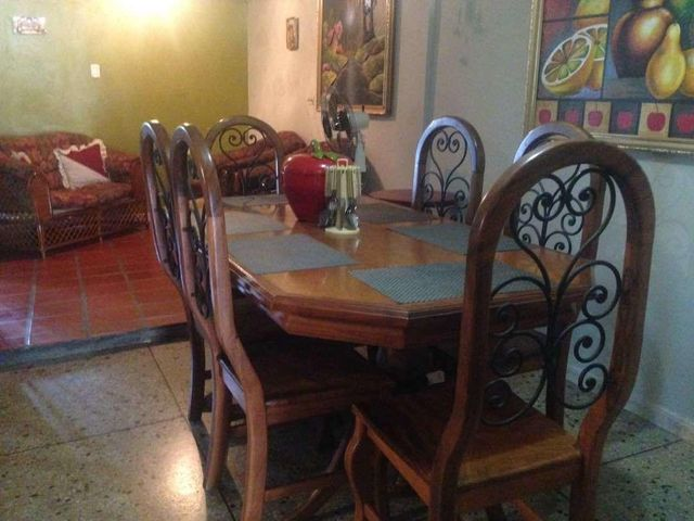 Casa Zulia>Maracaibo>La Rotaria - Venta:63.276.000.000 Precio Referencial - codigo: 18-6458