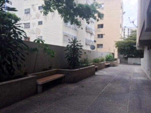 Apartamento Distrito Metropolitano>Caracas>Bello Monte - Venta:114.666.000 Precio Referencial - codigo: 18-6460