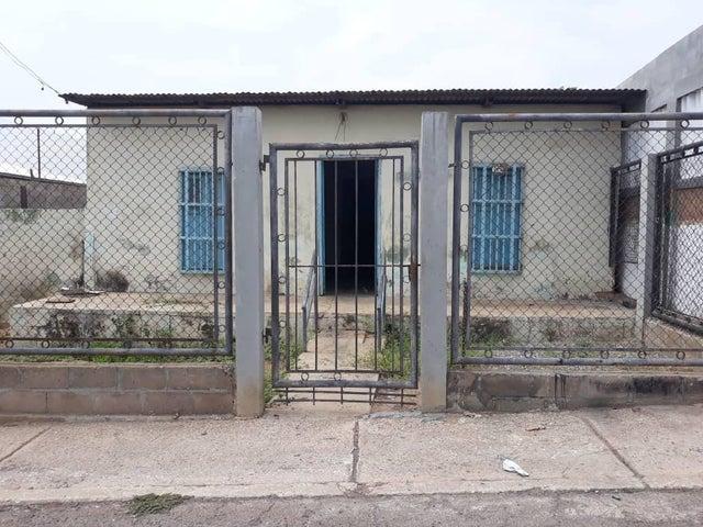 Terreno Zulia>Maracaibo>Los Haticos - Venta:10.000 US Dollar - codigo: 18-6463