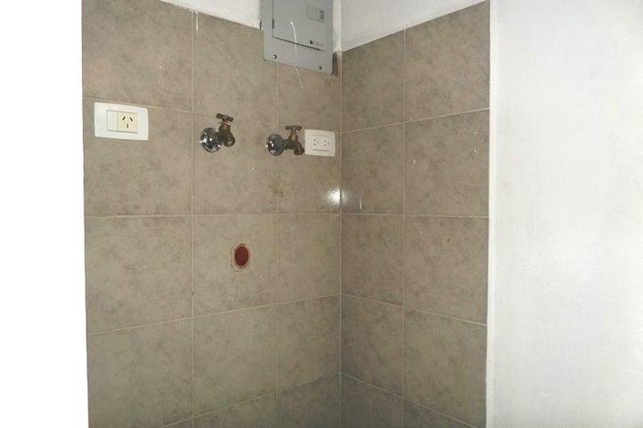 Apartamento Distrito Metropolitano>Caracas>Miravila - Venta:25.000 US Dollar - codigo: 18-6466
