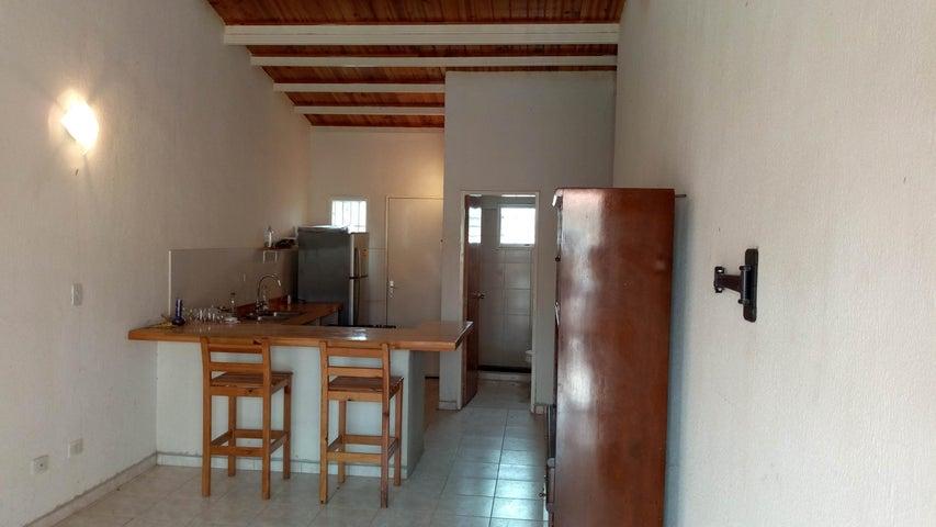 Casa Carabobo>Guacara>Ciudad Alianza - Venta:7.500 US Dollar - codigo: 18-6472